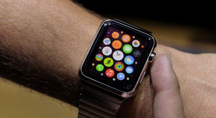 l'evoluzione degli orologi ditali è dato dagli smart watch