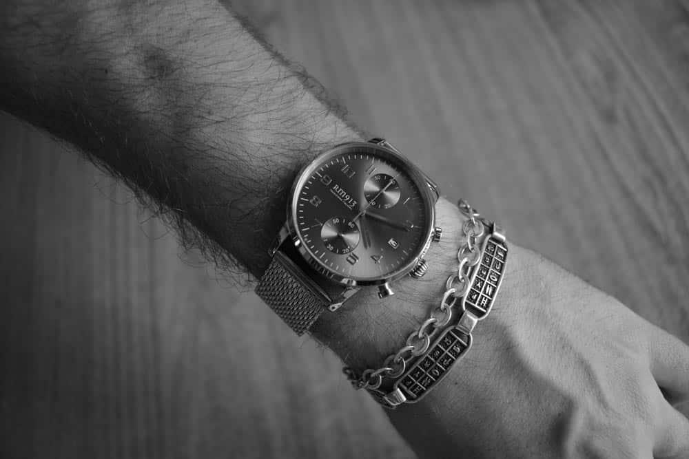RM913 Milanese Chrono Grey indossato al polso