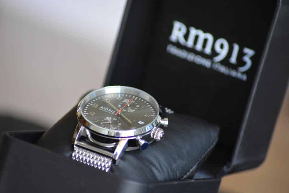 RM913 Milanese Chrono Grey nella sua scatola