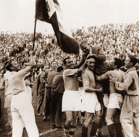 Nel 1943 la Wyler Vetta è sponsor ufficiale della Nazionale italiana di calcio