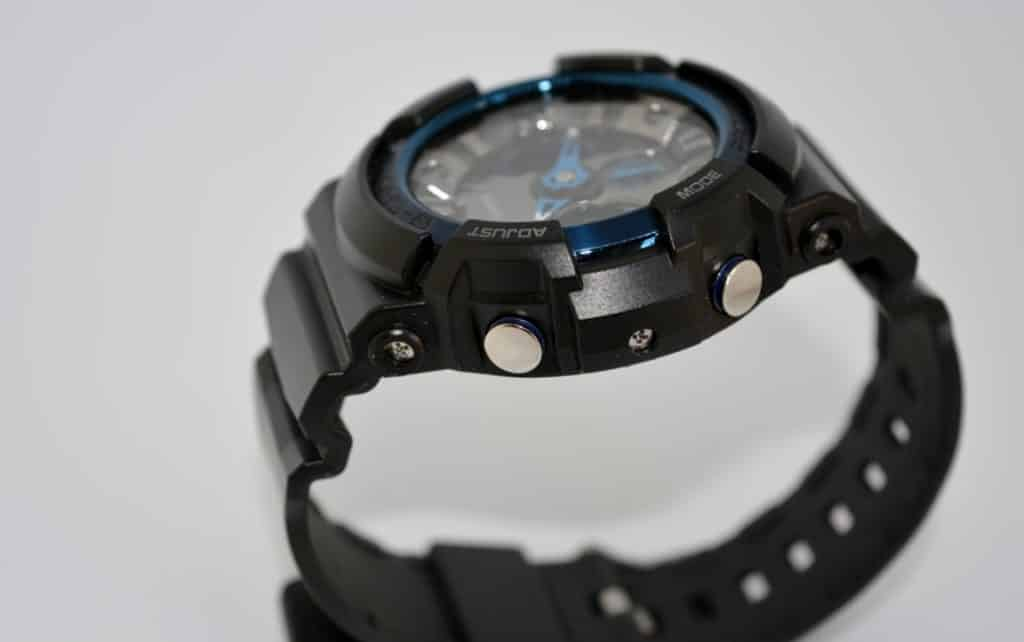 cassa  Recensione Casio G-Shock GA-200CB-1AER da 42 mm di diametro
