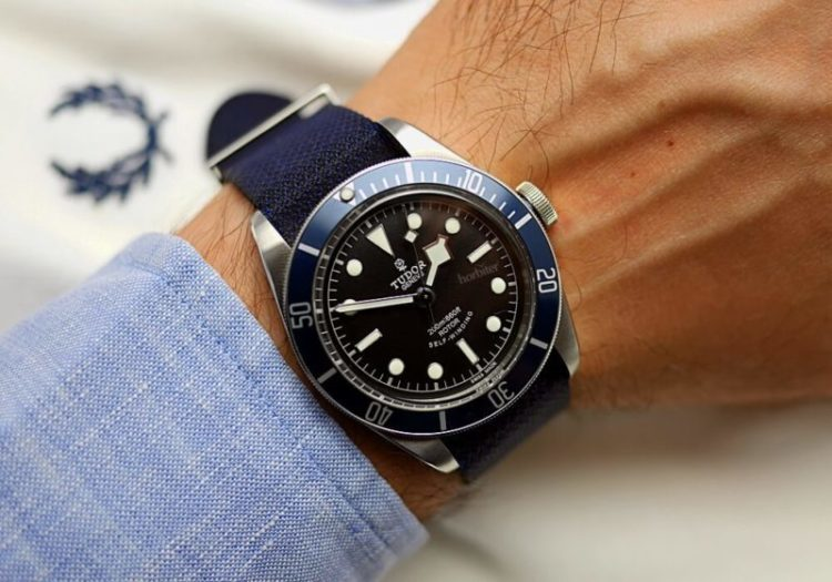 Tudor Heritage Black bay replica