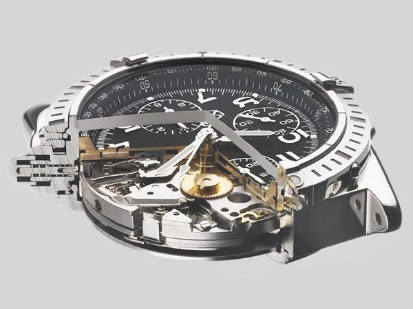 Una sezione trasversale mostra alcuni dettagli del segnatempo nella sua complessità e nelle sue finiture. Breitling è nota per l'alta qualità della sua progettazione e produzione. Foto Breitling