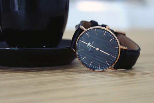 Daniel Wellington Classic Black: un orologio chic e raffinato