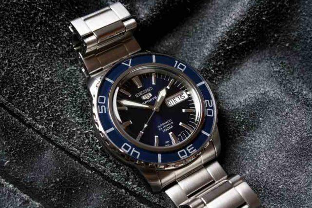 Recensione dell'orologio Seiko 5 sports SNZH53K1