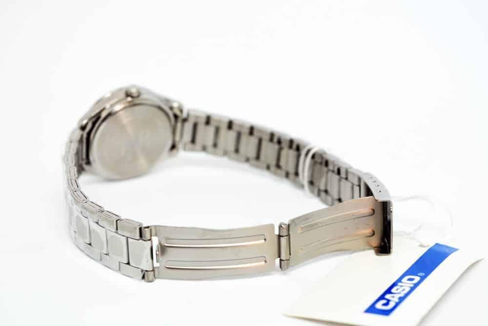 regolare cinturino in acciaio casio ltp-1302d-7a1vef