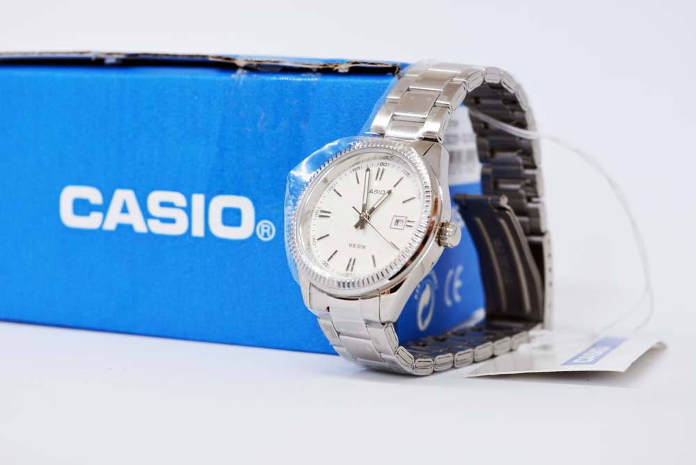 casio ltp-1302d-7a1vef su Amazon