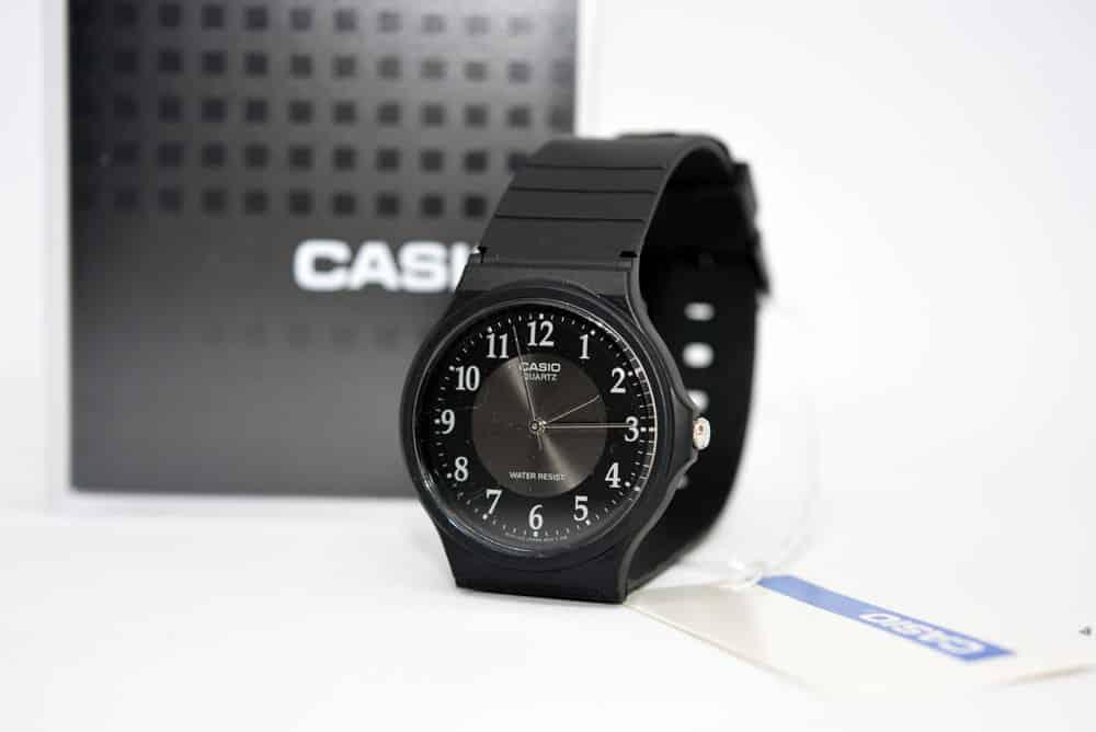 orologio digitale Casio MQ-24-1B3LLEF