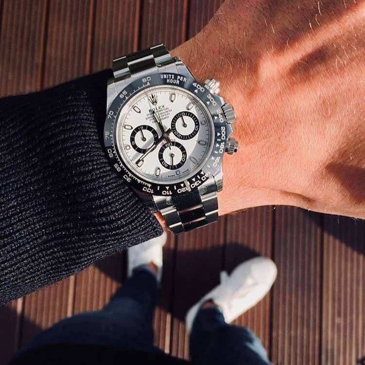 Rolex daytona al polso