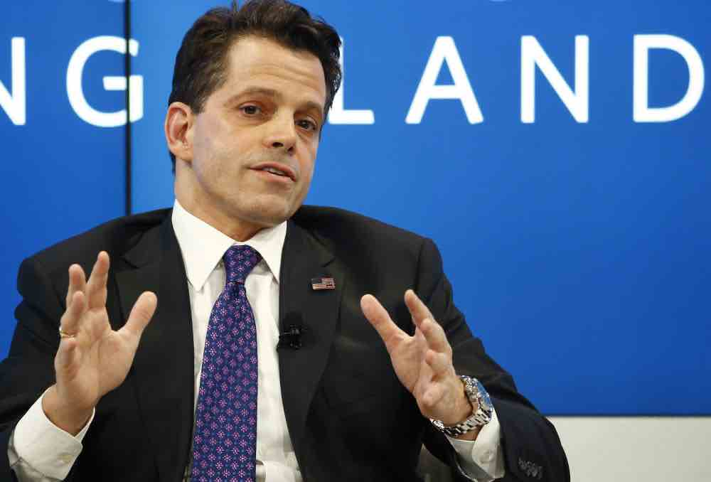 Anthony Scaramucci con indosso Breitling Avenger