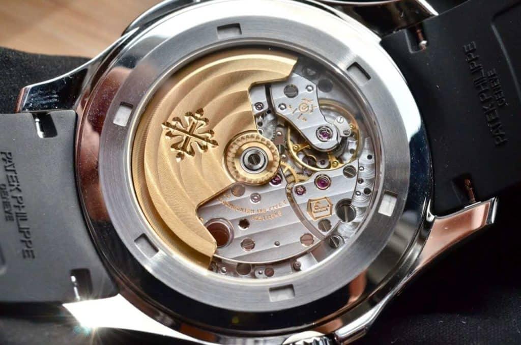 Movimento meccanico a carica automatica Calibro 324 S C FUS