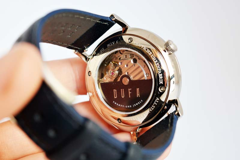 MOVEMENT : Japan Automatic 3 Hands