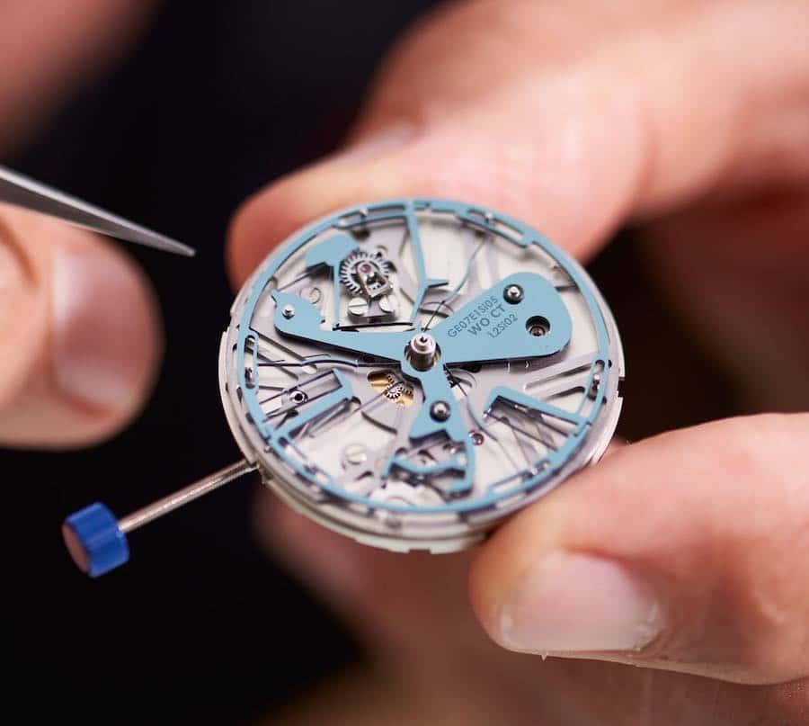 oscillatore rivoluzionario lo rende l'orologio meccanico più preciso al mondo.