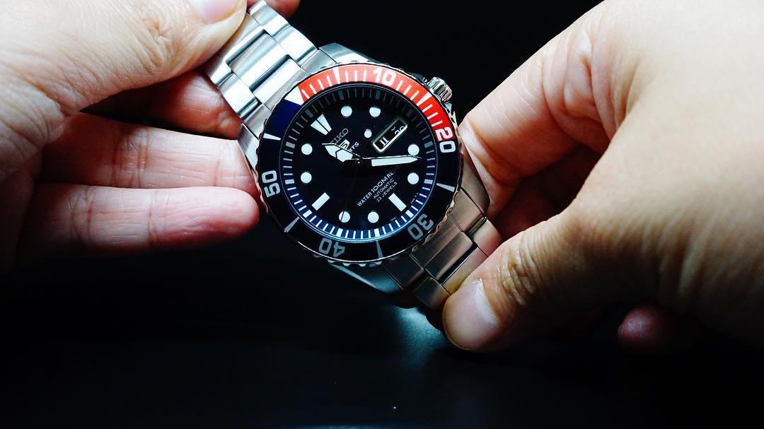 Opinioni orologio da uomo Seiko 5 Sports SNZF15K1