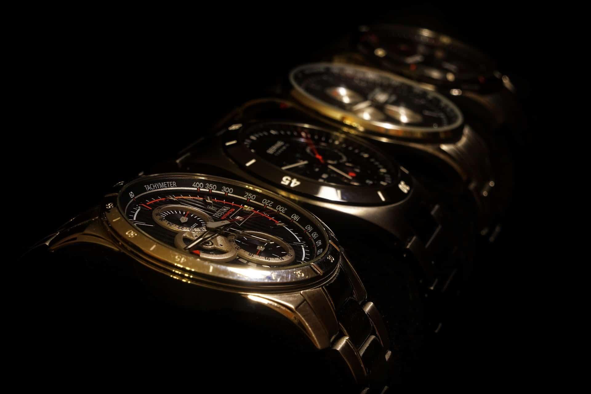 come pulire un orologio in acciaio