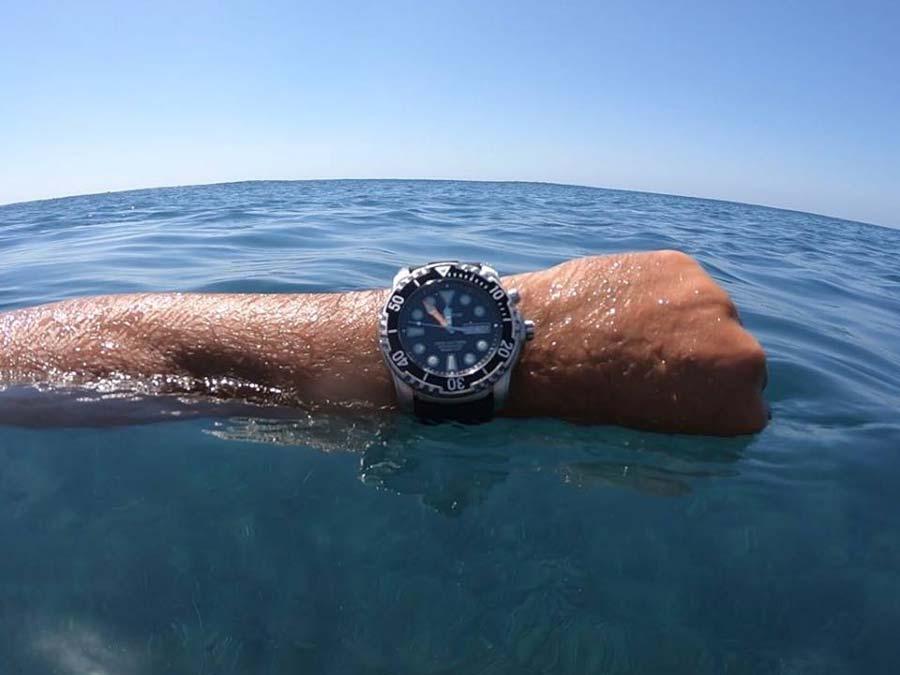 Orologio subacqueo fino a 1000 metri