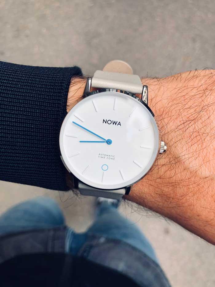 vestibilità Nowa watch al polso