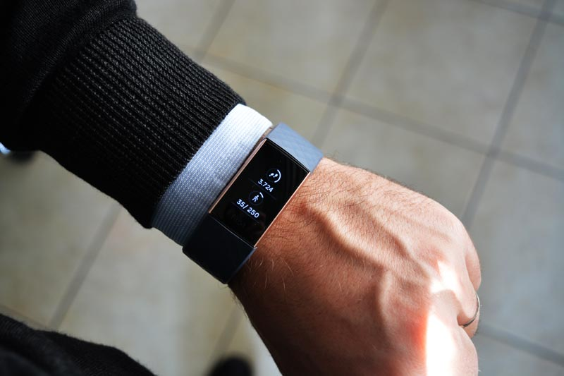 Recensione Fitbit Charge 3 Activity Tracker + Heart Rate