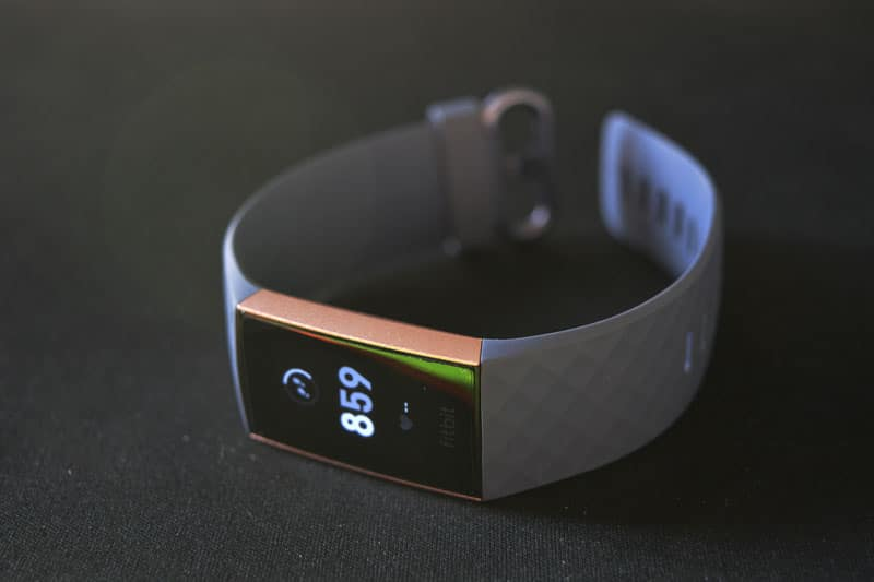 Fitbit Charge 3 opinioni
