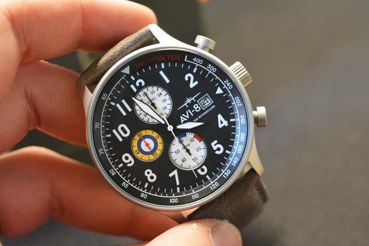 Opinione dell'AVI-8 Hunter Chronograph Panda Dial (AV-4011)