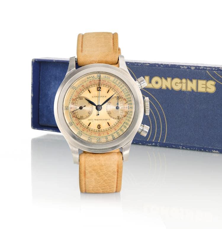 """Longines Ref. 4974 """"tre tacche"""", raro cronografo del 1943 con estratto di registro 95.000 euro."""