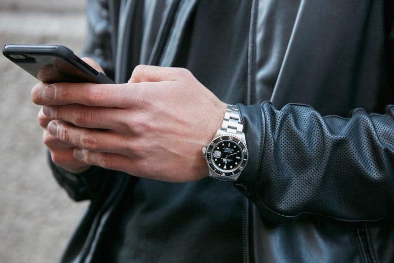 Guida su come abbinare l'orologio al tuo outfit in ogni occasione