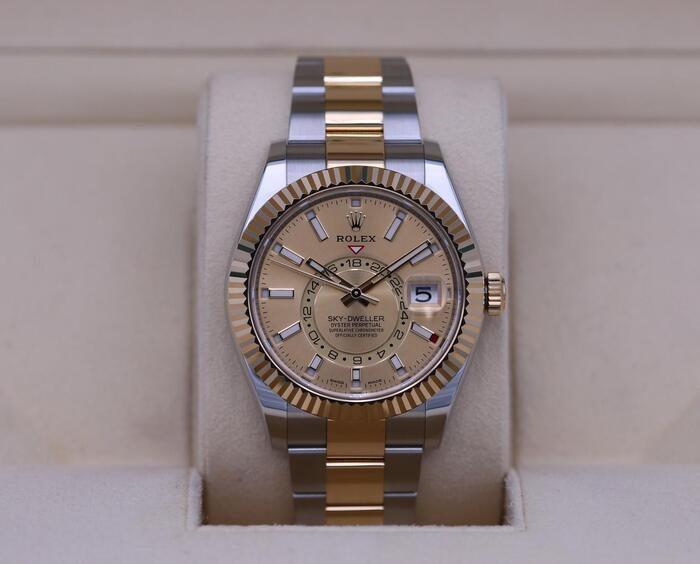 Rolex Sky-Dweller Watch: Yellow Rolesor - M326933-0001